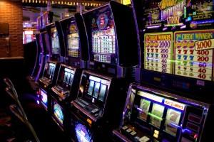 Выбор между виртуальным и настоящим казино